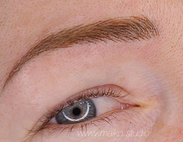 ▫️Can you tell where the microblading #microstrokes are?! ▫️stay tuned for her before shot!  #beforeandafter #microblading #cosmetictattoo #3dfeathering #shading