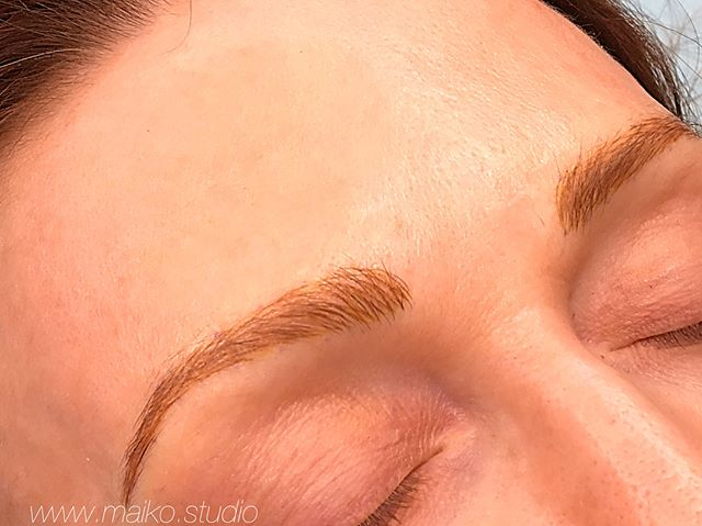 ◽️the return of the fluff ♥️ ✔️✔️✔️ ◽️ For this fair skin beauty, these brows will heal softer ✔️✔️✔️ ◽️swipe for the #beforeandafter  #microblading #cosmetictattoovancouver #featheredbrows #makeup #tattoo #vancouverblog #vancouverbrows