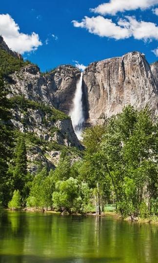 yosemite-falls-river_dp_1600.jpg