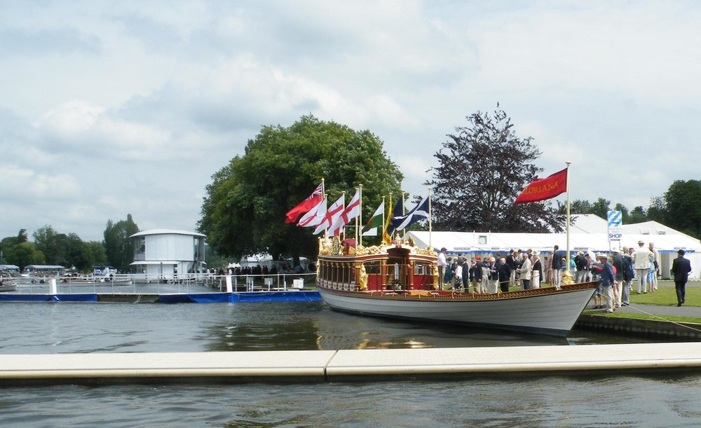 Gloriana_Henley_Royal_Regatta_2012.jpg