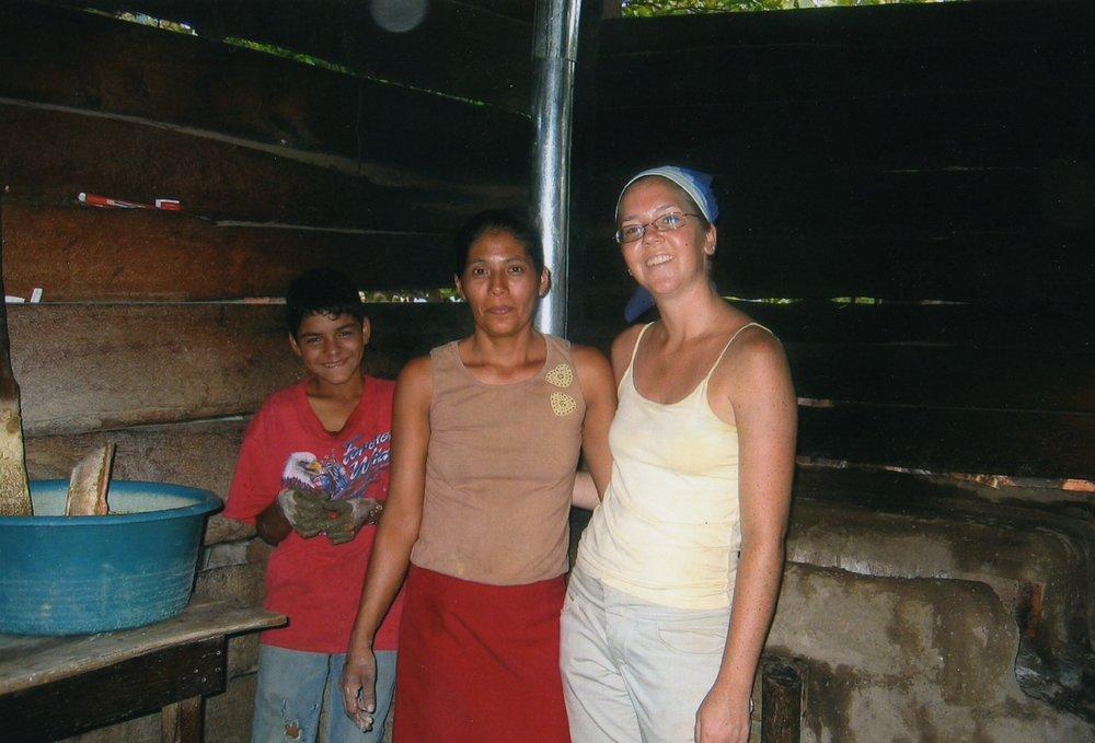 PCV Aimee Diehl & Dona Carmen & son with new stove.jpg