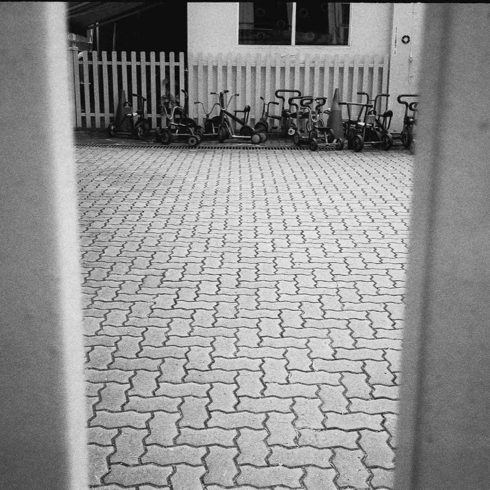 stroll 8 -