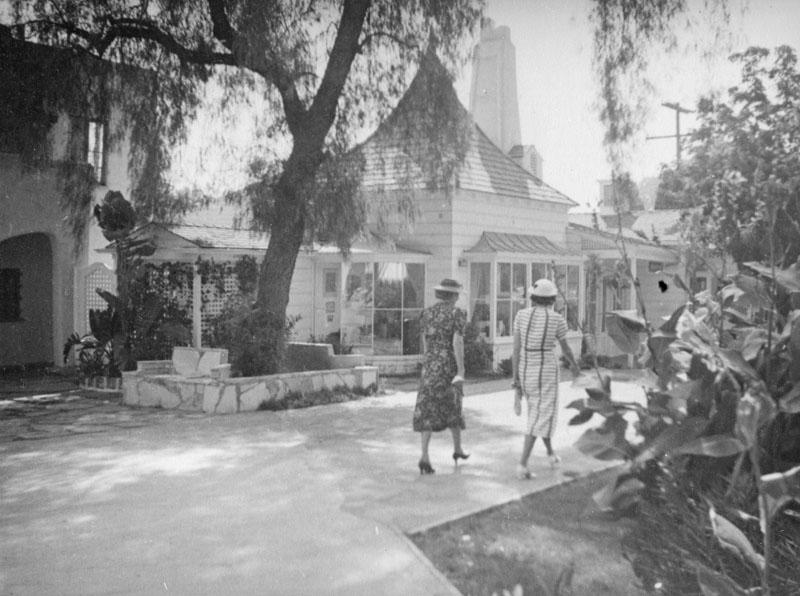 Photo via Los Angeles Public Library