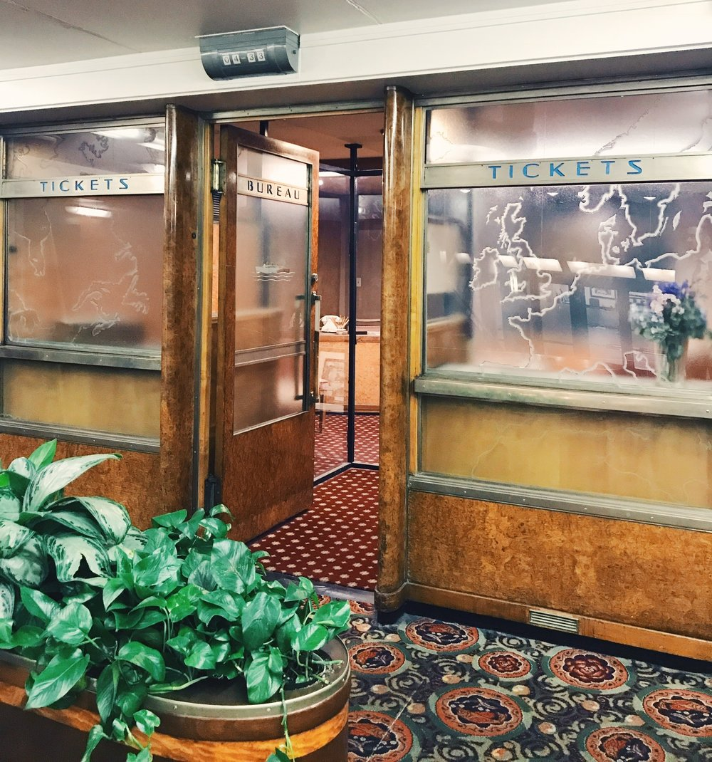 Travel office of the Queen Mary  Photo via  Finding Lost Angeles  (2017)