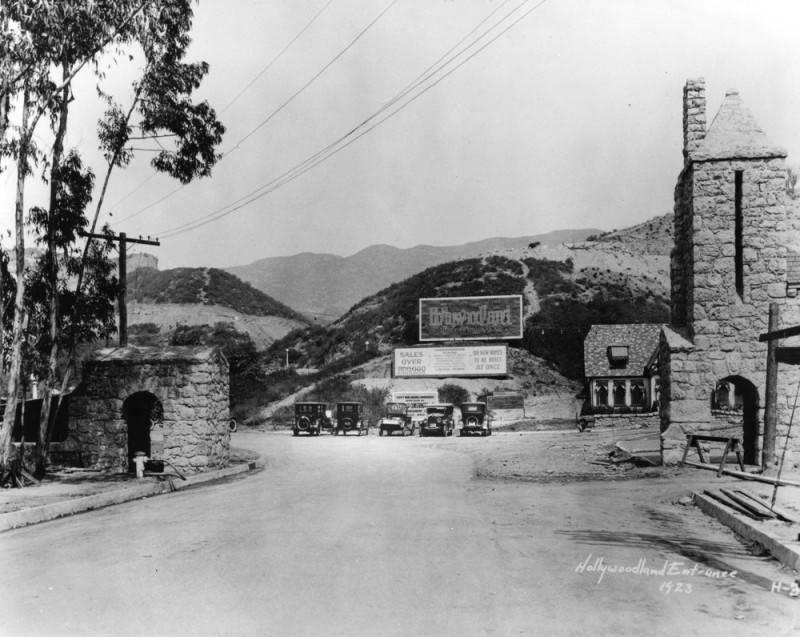 Photo via Los Angeles Public Library (1923)