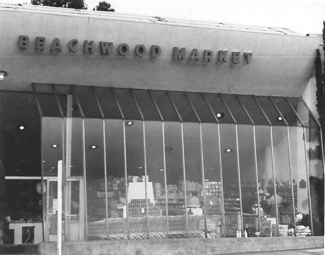 Beachwood Market c. 1960s. Photo via  Hollywoodland: Established 1923 .