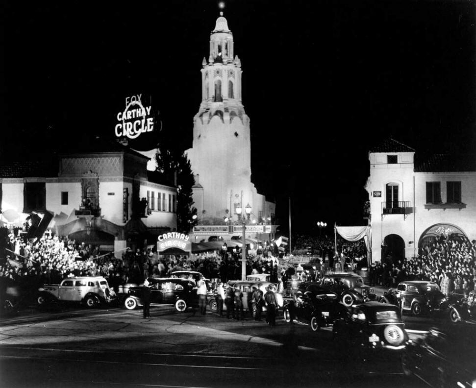 Movie premiere at the Carthay Circle Theater. Image via Los Angeles Public Library (1939).