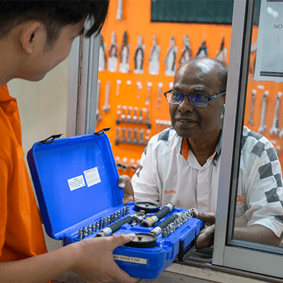 TOC Program Facilities - Our workspace boasts cutting edge facilities equipped with the most technologically advanced equipment and software in the industry. With campus in Malaysia manned by highly qualified trainers, our courses will definitely ensure you successful career opportunities in the automotive industry.