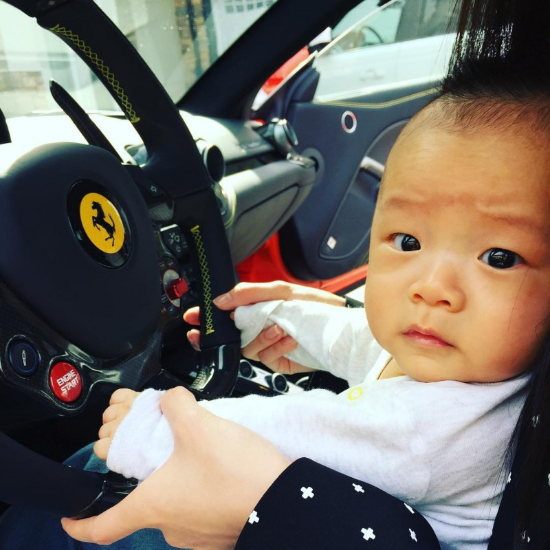 Image source:  https://nextshark.com/chelsea-jiang-ultra-rich-asian-instagram/