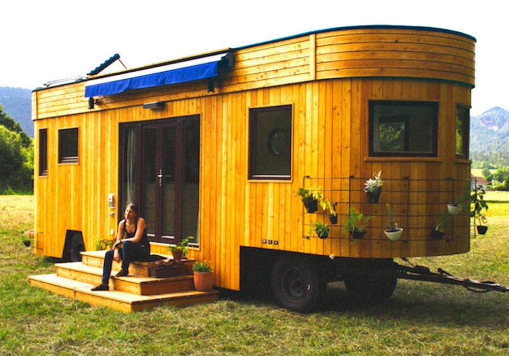 Image source: http://diykidshouses.com/wp-content/uploads/2016/11/tiny-house-mobile-there-are-more-wohnwagon.jpg