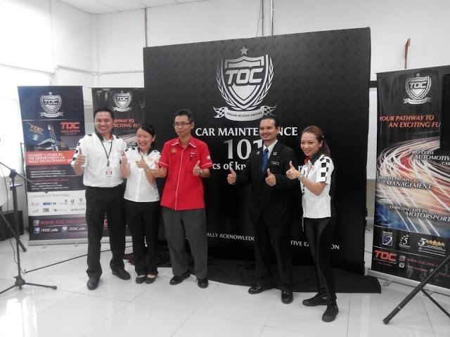 L to R - Mr Allen Cabiles - Director Training TOC, Mdm Adeline Foo -Founder/CEO TOC, Mr Abdul Haris Lakar DDG JKJR, Mr Mohammad Fakhri Mansor Director Selangor State JKJR and Cik Aien Mokhtar- CCO TOC  Source:  Motoring-Malaysia
