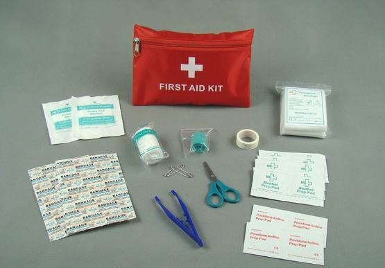 急救包被装有医用急救设备和药物,紧急时刻为车主及乘客提供保障。    Image from:   kknews