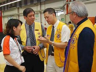 Sharing ideas at the Drive Smart, Drive Safe workshop were (from left) Foo, Lee and LionsClub Kuala Lumpur North members Lee Chin and Sam Leong. Image from:  The Star