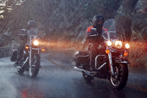 moto-rain-tires-gear-patrol-full-lead.jpg
