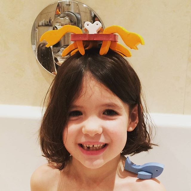 Crabulous accessorising Sophie! Thanks for sharing! #foameplay #foame #pretendplay #bathtoys #crabulous #crab #moana