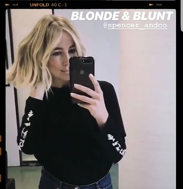 Blonde and blunt @thestylistsays  By @christinav_stylist  #blonde #blondebabe #blondie #blondelob #sharpcut #blunt #bluntcut #hairstyle #hairstyling #hairstylists #spencerandco