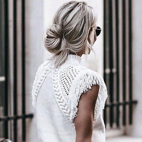 Sunday hair vibes.  #sunday #sundayhair #updo #relaxedhair #chignon #hairspo #hairinspo #sundaystyle #weekendhair #weekendstyle #spencerandco