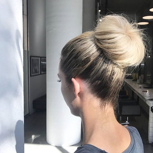 The bun of all buns 👑 Styled by @hannahyounghair  #updo #bun #topknot #topbun #hairstyle #hairstyling #hairstylist #blowdry #olaplex #behindthechair #melbournesalon #melbournehairsalon #southmelbournesalon #southmelbournehairdresser #spencerandco