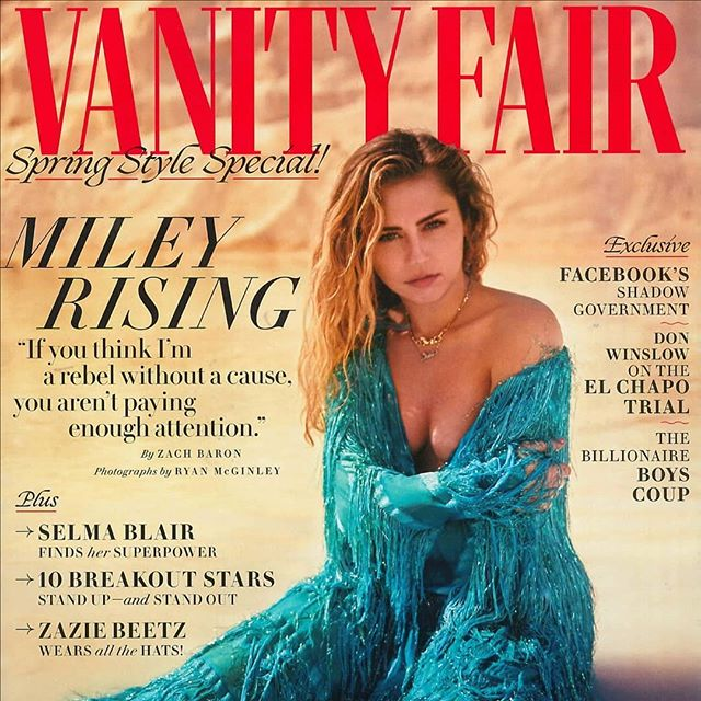 Sain tammikuussa sähköpostia, joka tuntui unelta, mutta totta sen täytyi olla 😄🙌🏻🥂😍 It's just a joy to see my art print featured on @vanityfairuk March issue. I'm grateful to share this moment with you! #vanityfair #featured #artprint #doneisbetterthanperfect #momentstoremember #letsspeakinflowers #bloombyarmihelena