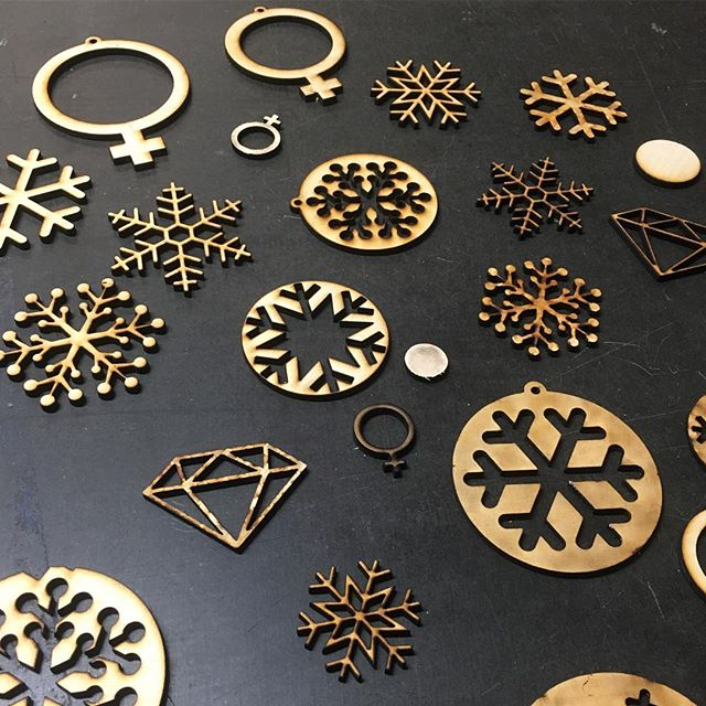 #lasercutting by our member Mimmi. ❄️💥Want to become a member? Check out our home page: www.malmomakerspace.se 🎈#christmasiscoming #malmömakerspace #christmas #lasercutting