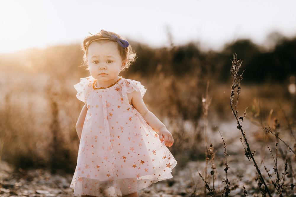 Austin texas lifestyle family photographer newborn milestones first birthday photoshoot nature state park session