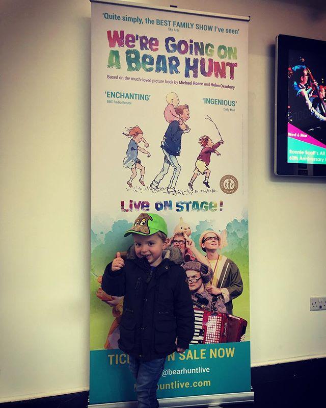 🐻 We've been on a Bear Hunt! 🐻  We're off to a strong start with a trip to the @artsdepot_ldn on half-term Monday. Day 1: success! 👍  #halftermfun #weregoingonabearhunt #artsdepot #itsathumbsupfromme #werenotscared #fourmoredays #theatreonourdoorstep