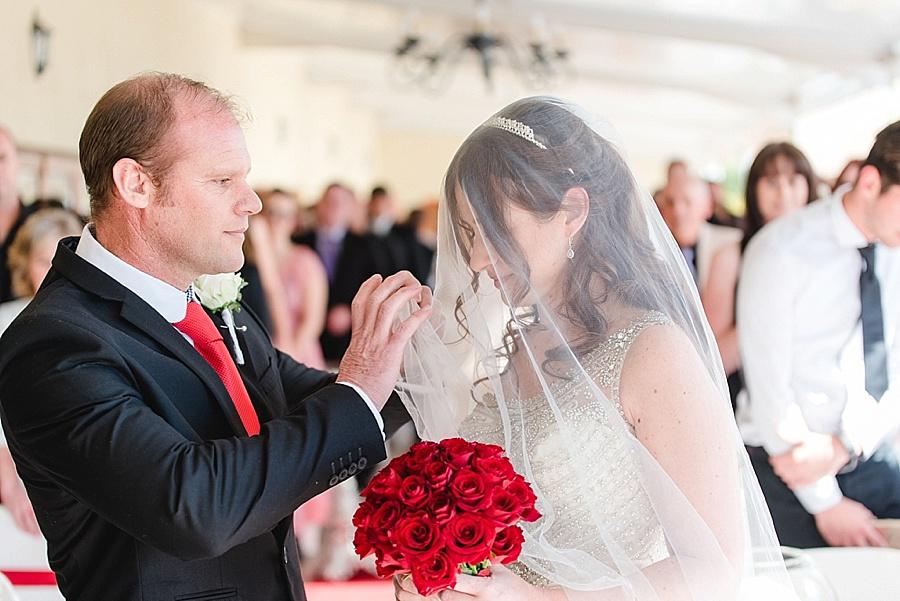 Darren Bester - Cape Town Wedding Photographer - Eensgezind Function Venue - Roger & Amanda_0012.jpg
