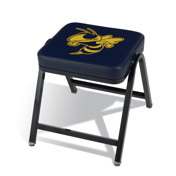 "185  18 ½"" (470 mm) wide stool with your choice of frame color, vinyl color and optional custom logo."