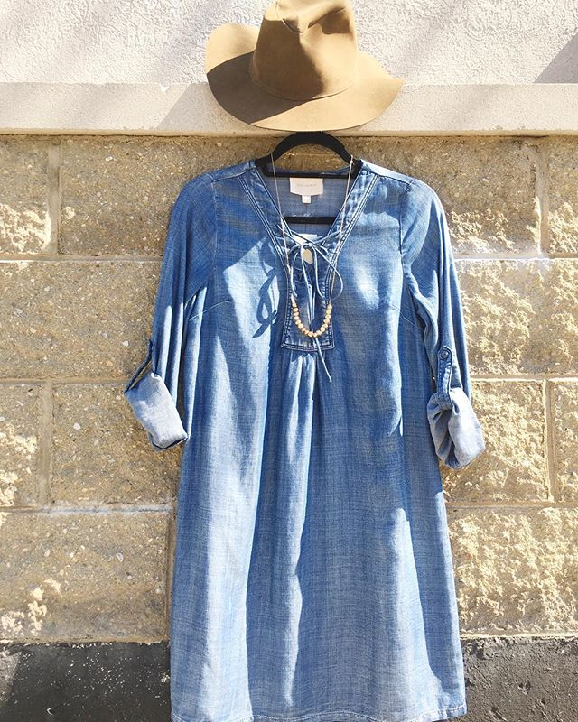 Denim + suede = 💌🌻🎈 #summerblues #sunprotection #hatsonhats