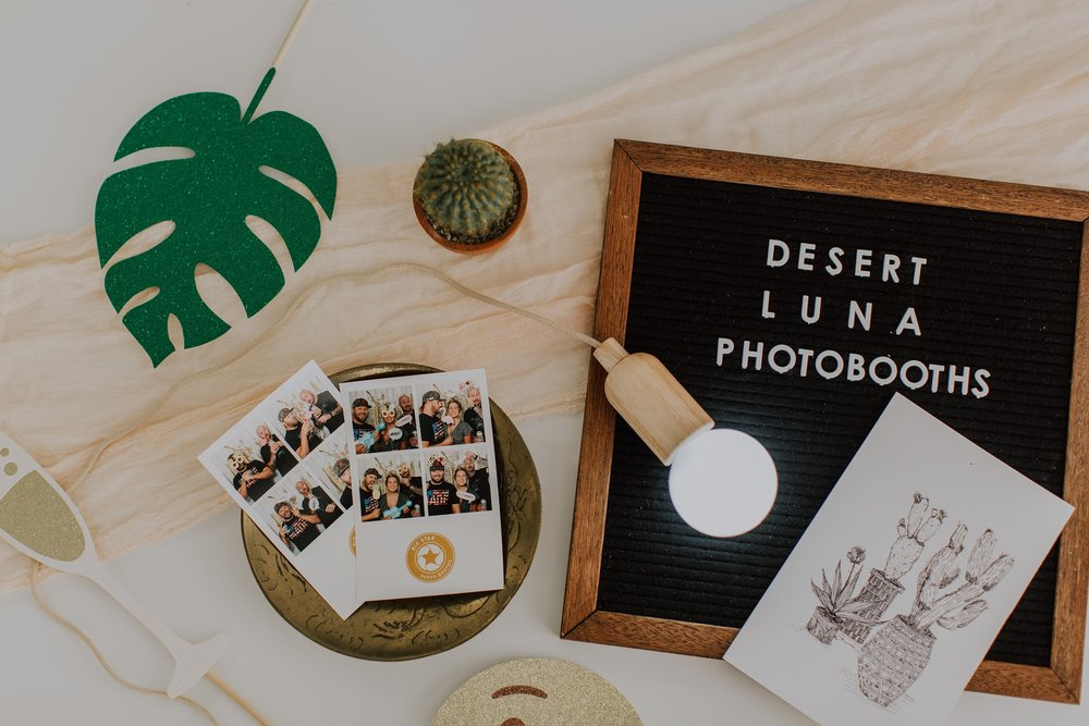 Photo:  Brianna Broyles |  Styling:  Sarah May Designs |  Photobooth:  Desert Luna Photobooths