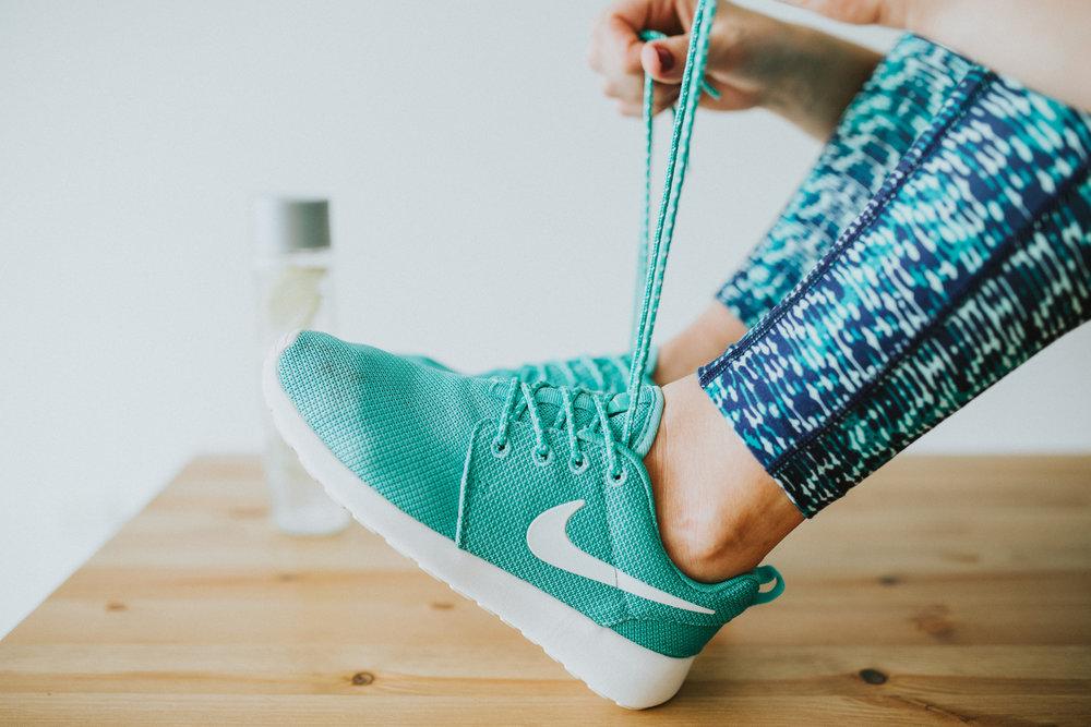 Woman_blue_shoe.jpg