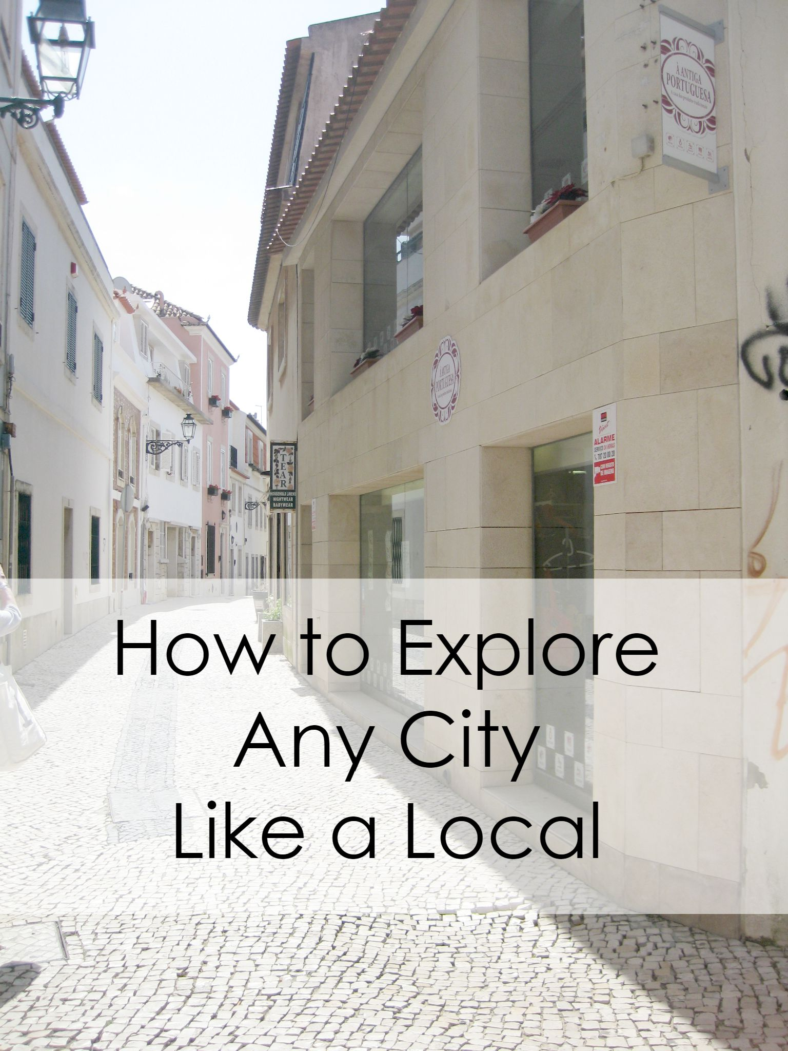How to Explore Any City Like a Local - my best tips for getting the most out of your visit to any city around the world! via buttons & blossoms
