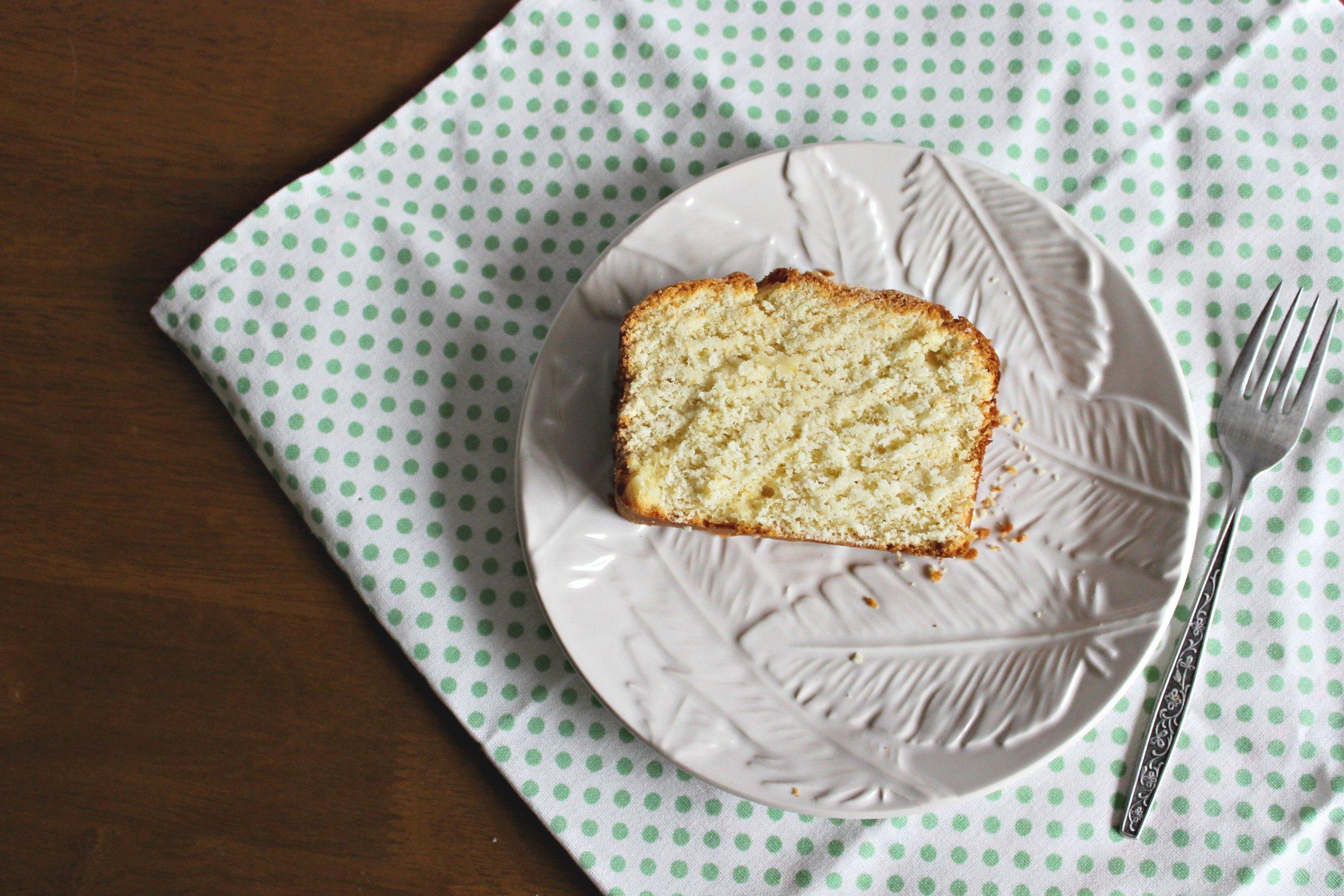 Around the World in 28 Cakes: Madeira Cake // the classic British sponge cake