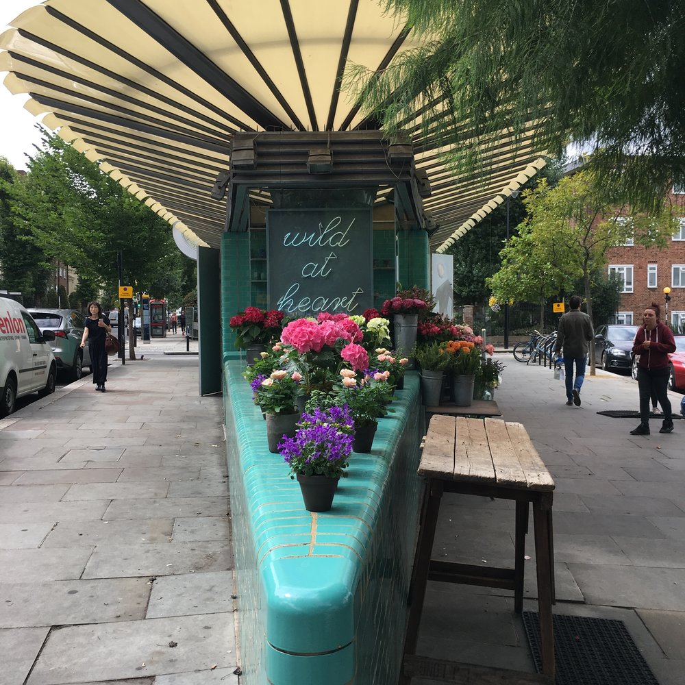 notting-hill-flower-stand