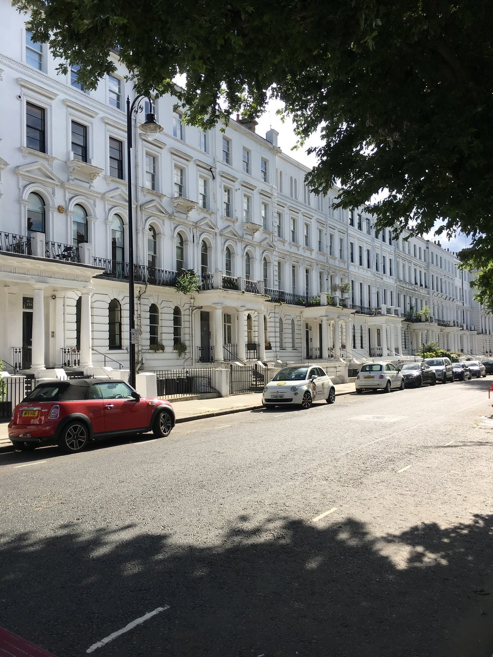 notting-hill-town-house-street