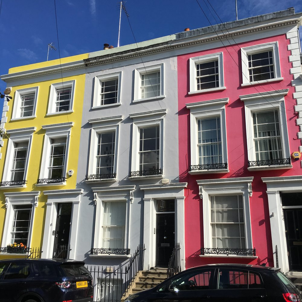 notting-hill-bright-buildings