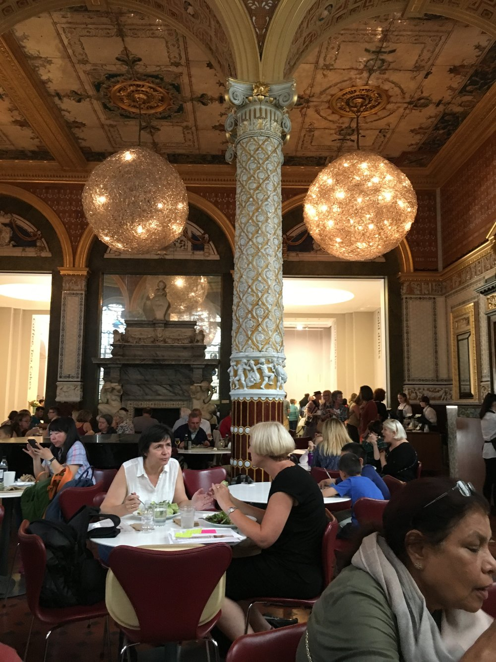 victoria-albert-tea-room