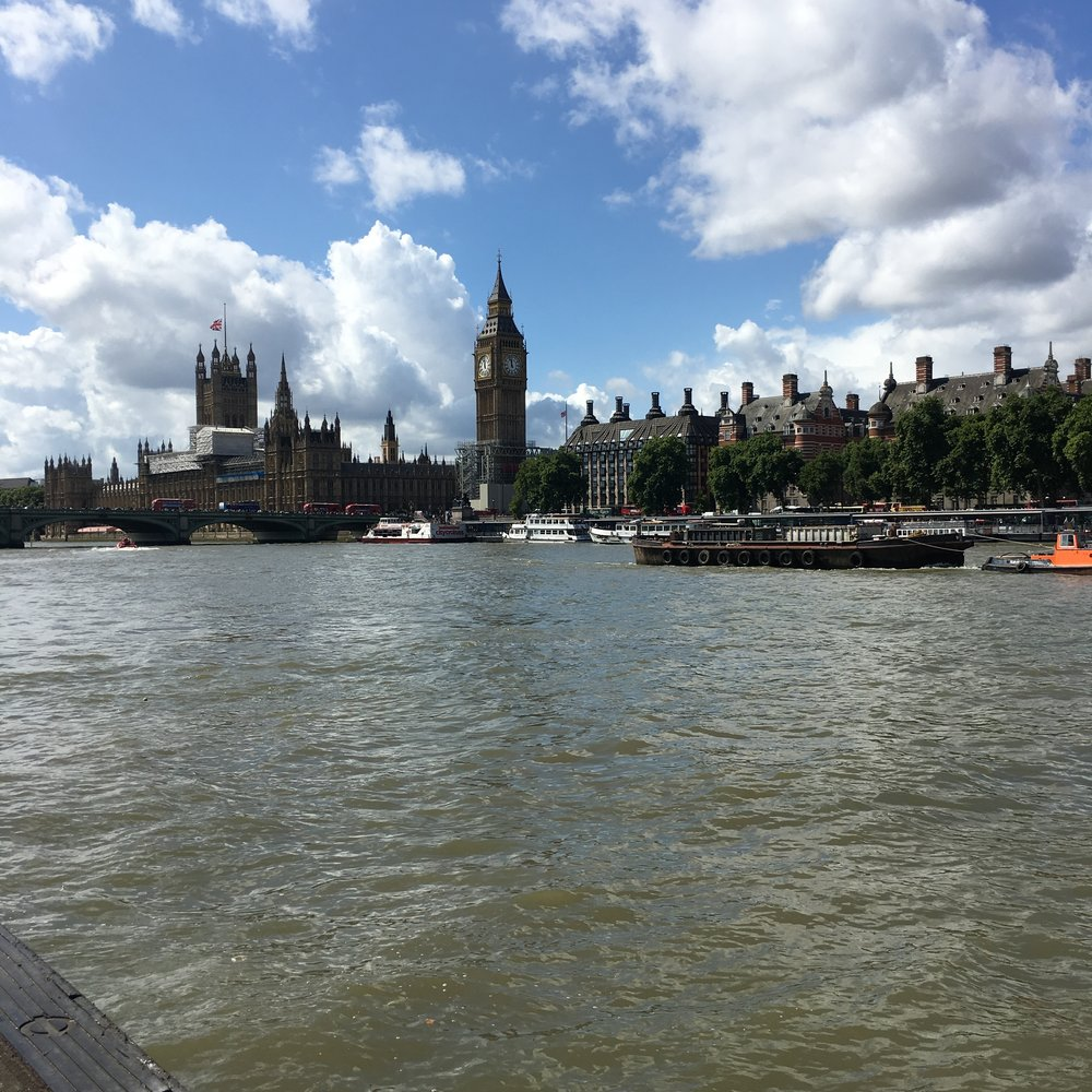 houses-of-parliament-thames-river