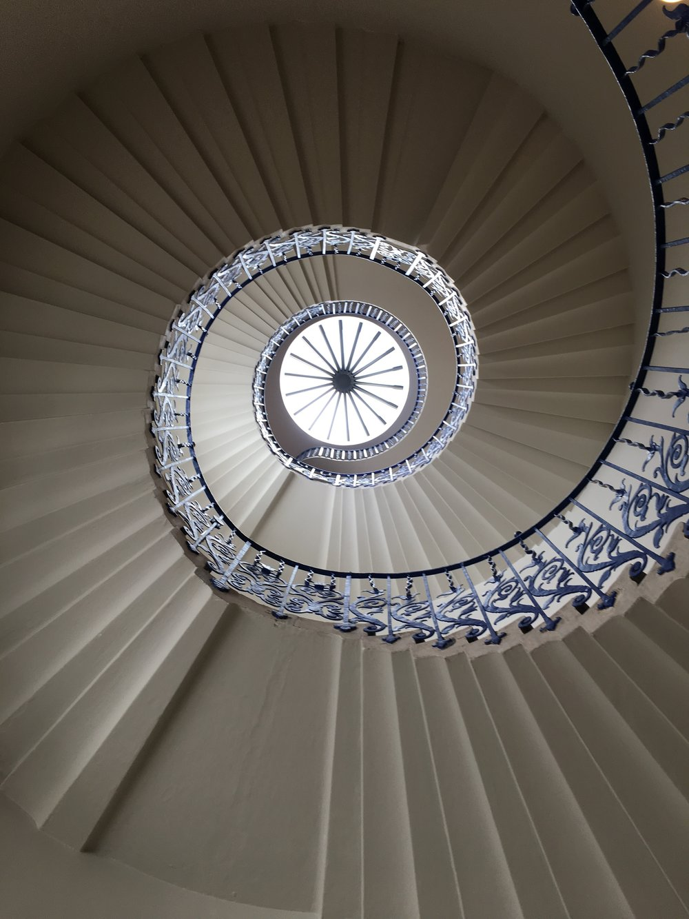 tulip-staircase-queens-house-greenwich