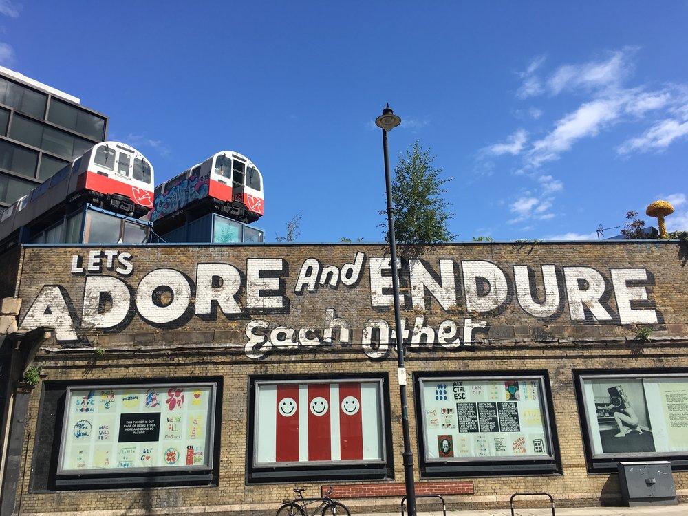 shoreditch-train-car-mural