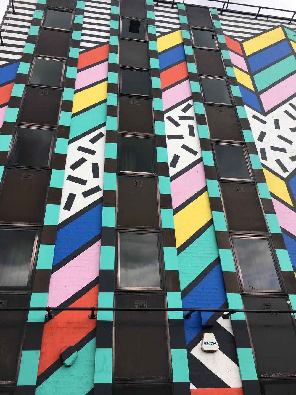 colorful-mural-shoreditch-london