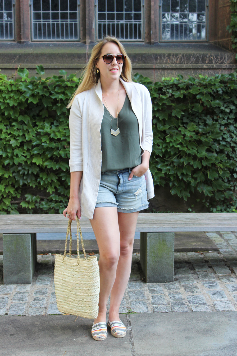 september-farmers-market-outfit.jpg