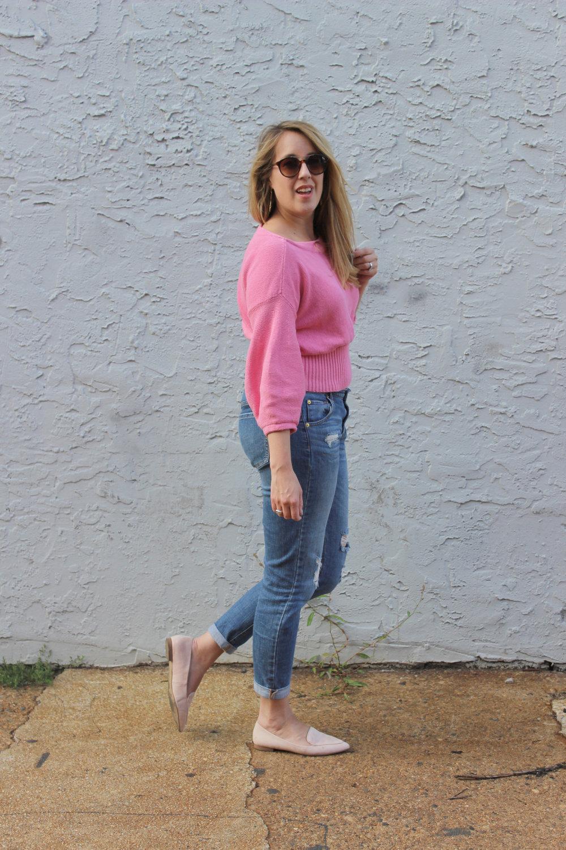 pink-sweater-boyfriend-jeans.jpg
