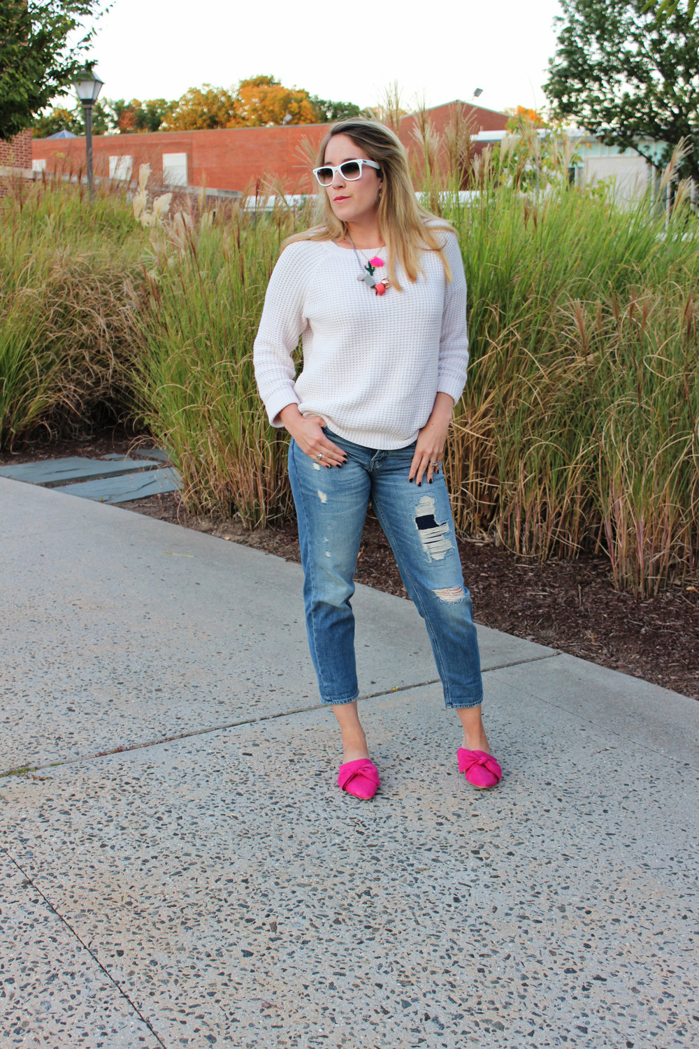 white-sweater-and-color-outfit