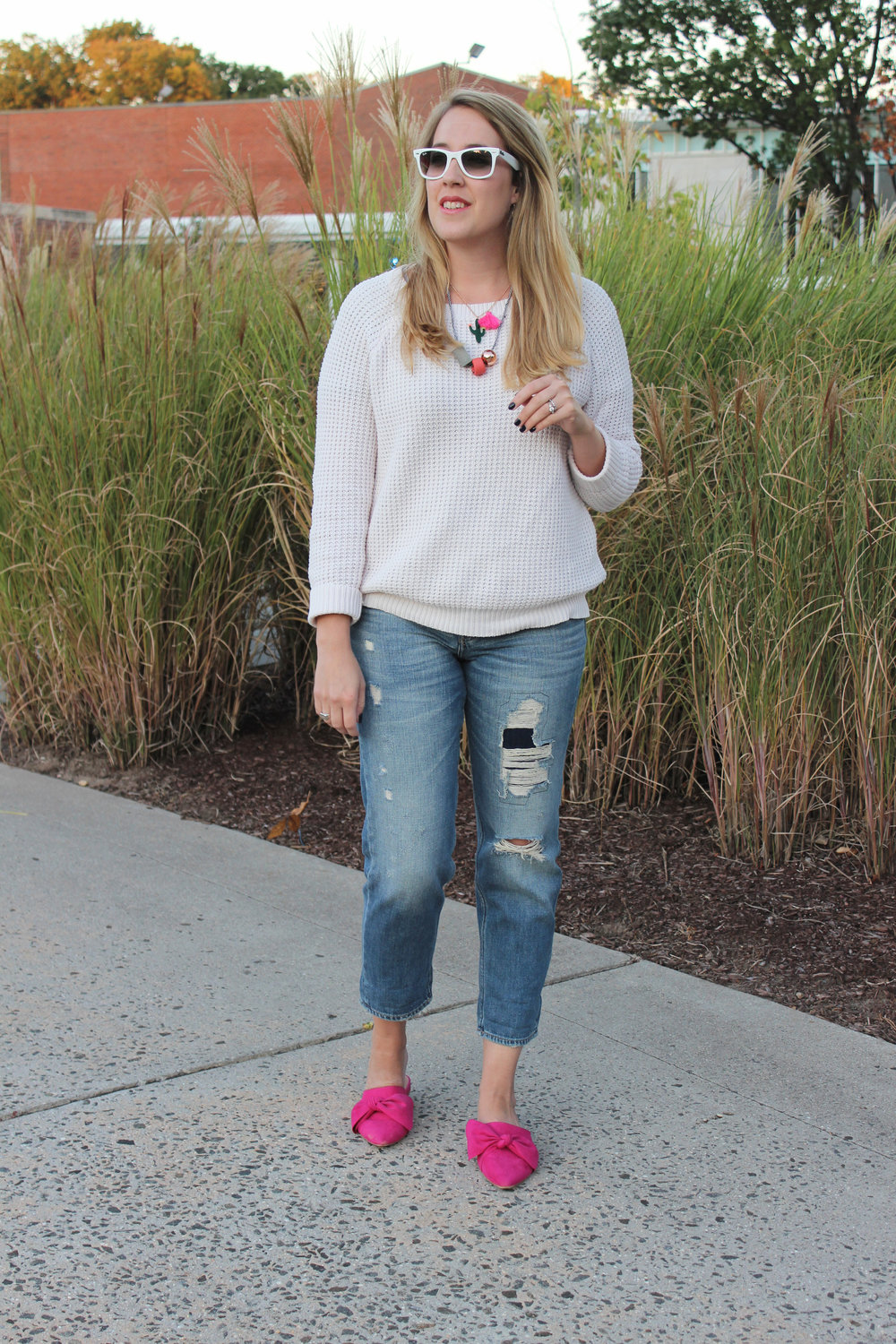 pink-mules-outfit
