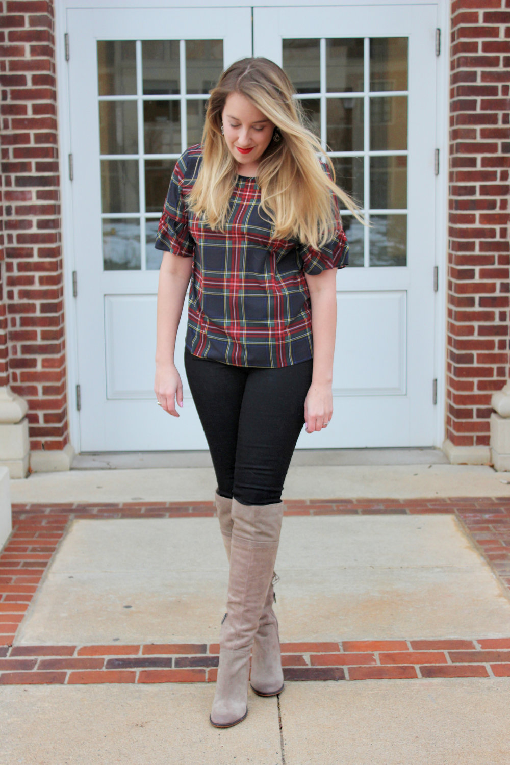 Plaid, the Color of the Season: How to Wear it and What to Pair With It