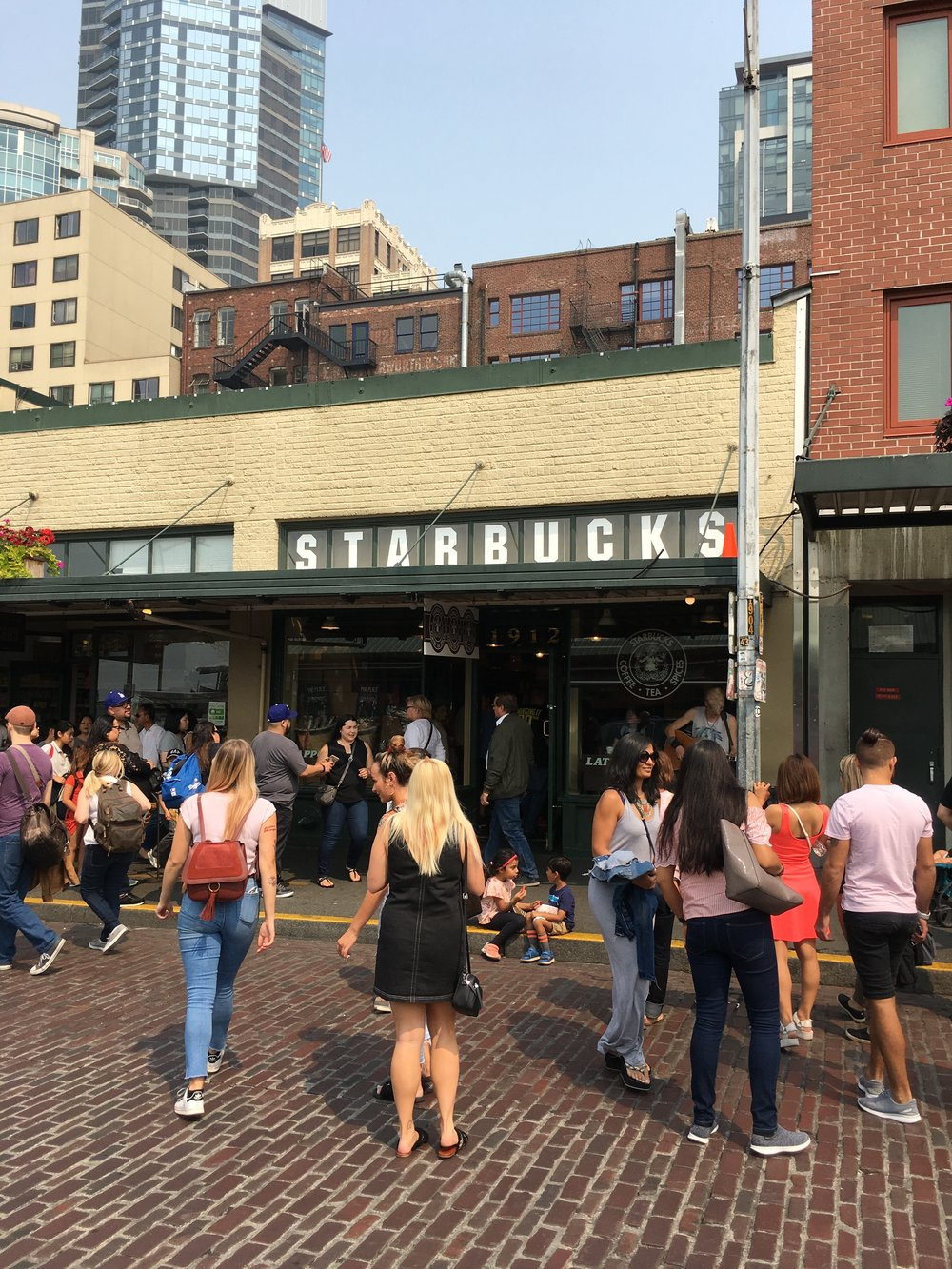 What to See, Eat, and Do in Seattle: the first Starbucks - wear she blossoms