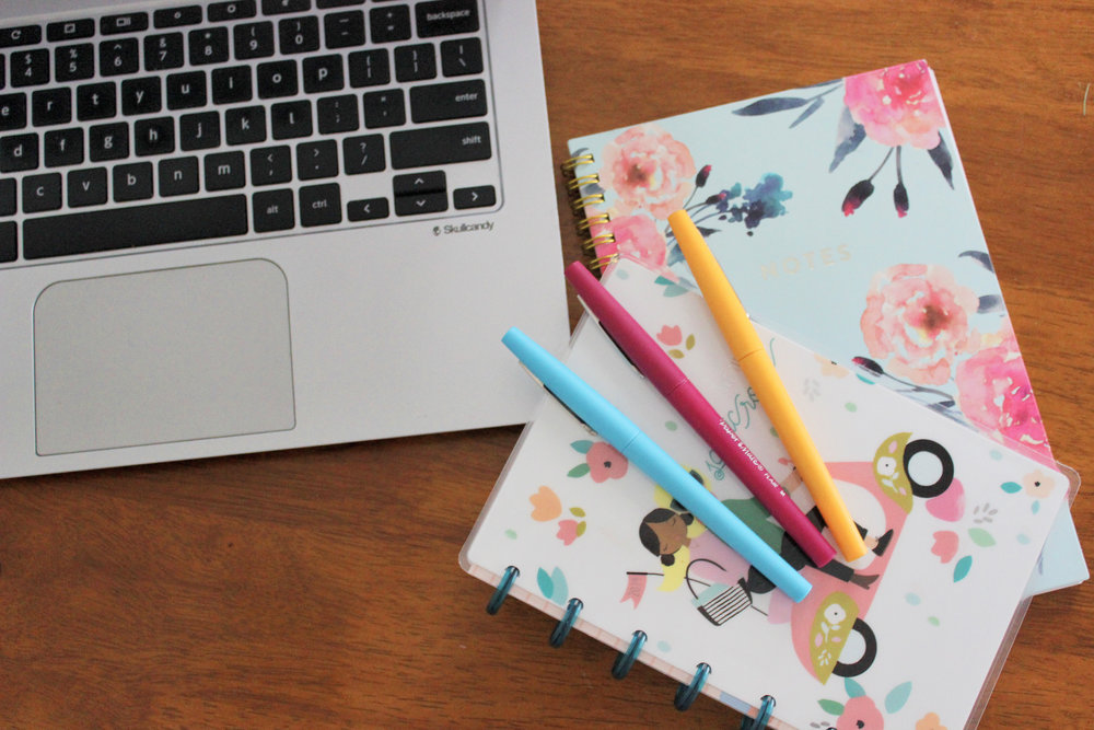 How I'm Staying Organized Both Online and Off - wear she blossoms