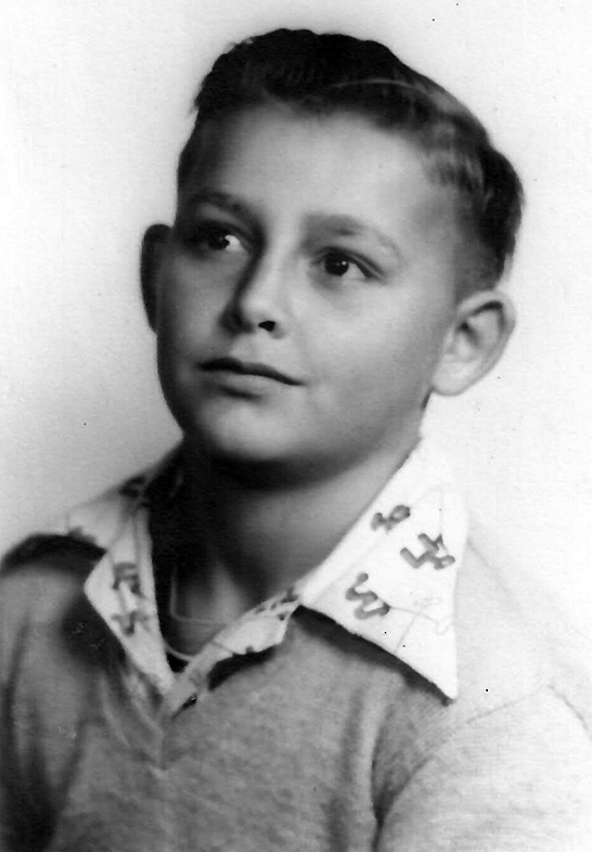 Kurt looks about eight or nine years old in this photo, but is unmistakable.