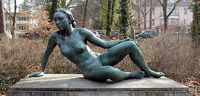Georg_Kolbe_sculpture.jpg